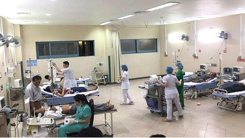 Hơn 70 người nhập viện sau bữa tiệc đám cưới tại thôn Hiền Sỹ, xã Phong Sơn, huyện Phong Điền, tỉnh Thừa Thiên - Huế.