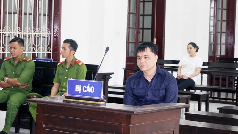 Bị cáo Long II tại tòa