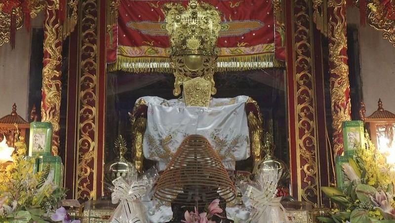 Quan Lớn Đệ Tam là vị Thượng Đẳng Thần dân gian và vị Thần quan trọng trong Tứ Phủ.