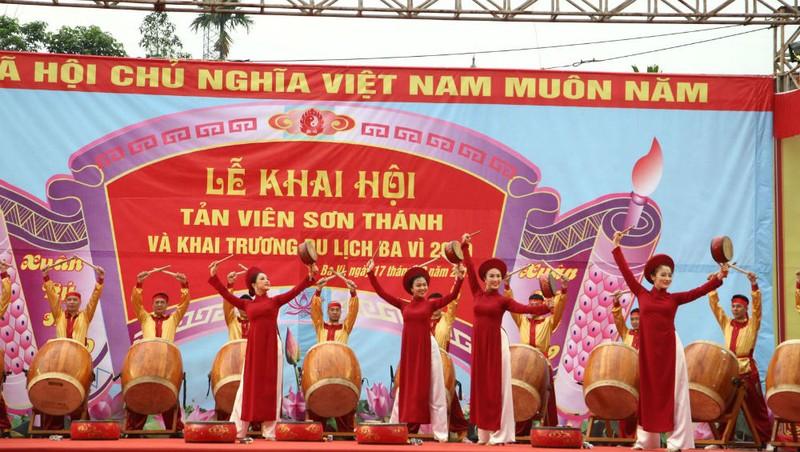 Hình ảnh trong lễ hội Tản Viên Sơn Thánh