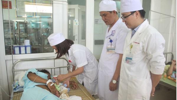 Các bác sỹ ở Bệnh viện Đa khoa Quảng Trị đã bỏ qua quy trình, quyết định mổ đẻ cho một thai phụ trong tình trạng nguy cấp