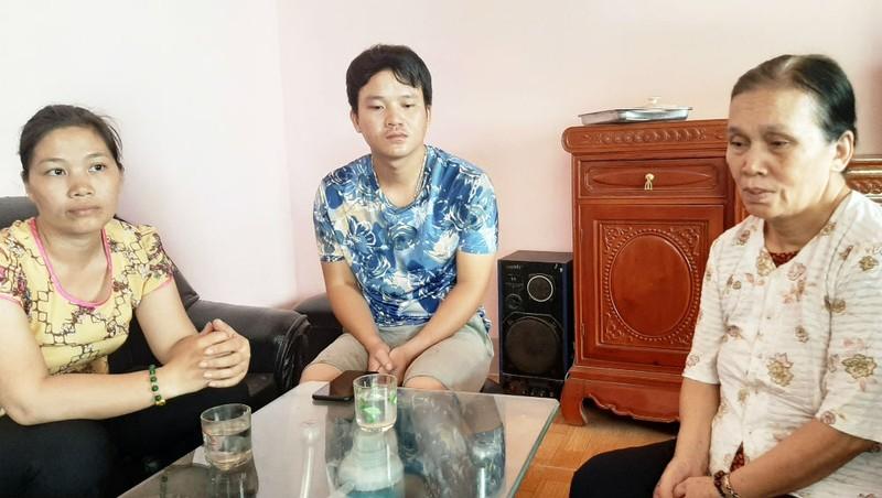 Gia đình anh Lợi chưa một ngày được bình yên từ khi vợ anh bị nhóm người lạ bắt cóc đến nay chưa rõ tung tích.
