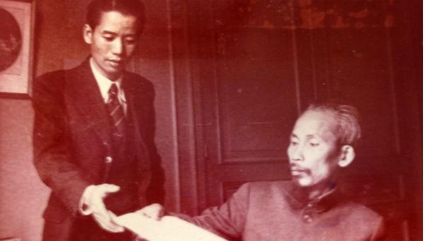Luật sư Vũ Trọng Khánh được Chủ tịch Hồ Chí Minh tin tưởng giao nhiệm vụ khởi thảo Hiến pháp nước VNDCCH.