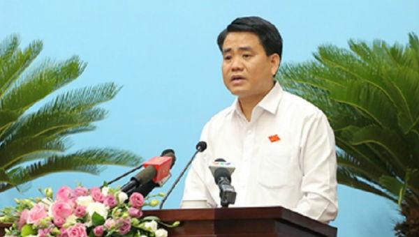 Chủ tịch UBND TP Hà Nội Nguyễn Đức Chung phát biểu tại phiên họp
