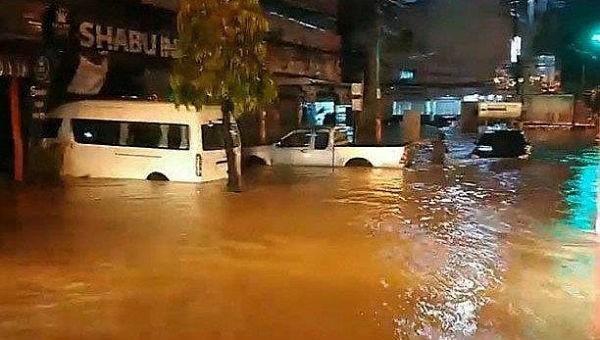 Lũ lụt xảy ra ở huyện Muang ở tỉnh Roi Et (Lào)