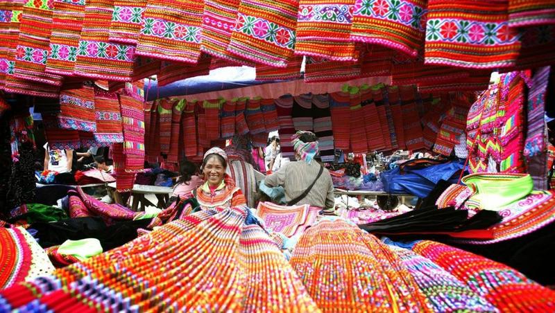 Thổ cẩm Sa Pa -  sản phẩm lưu giữ nét đẹp truyền thống