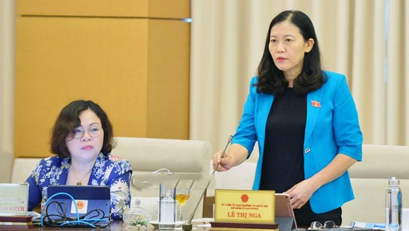 Chủ nhiệm Ủy ban Tư pháp của Quốc hội Lê Thị Nga phát biểu tại phiên họp