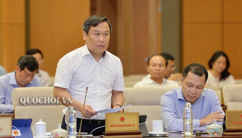 Thứ trưởng Bộ Kế hoạch và Đầu tư Vũ Đại Thắng phát biểu.