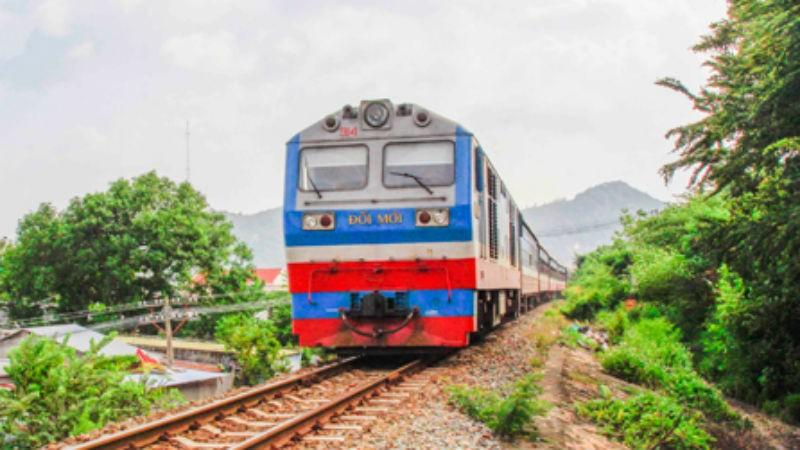 Thêm tàu tuyến Nha Trang - TP HCM ngày cuối tuần