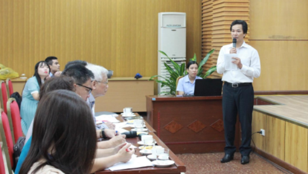 Thầy giáo Phạm Văn Hoan, trường PTCS Xã Đàn