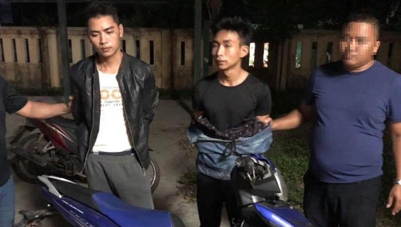 Sát hại nam sinh chạy Grab, hai nghi phạm cướp xe về quê... uống rượu
