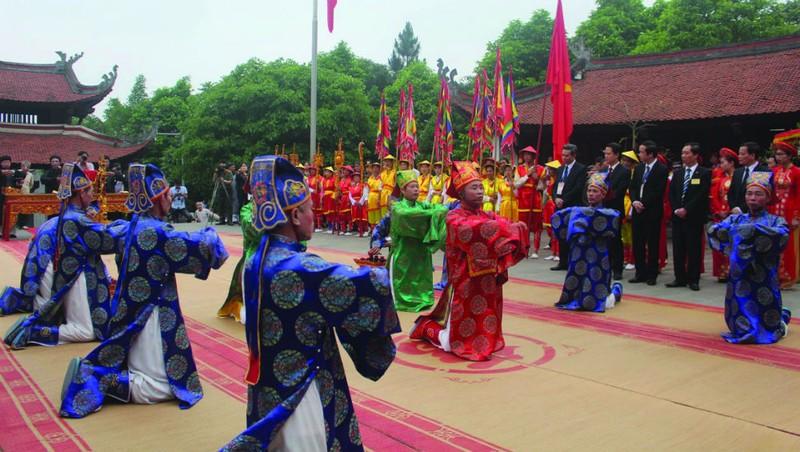 Tế lễ truyền thống trong ngày Giỗ Quốc Tổ Lạc Long Quân.