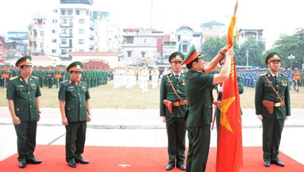Binh chủng Tăng thiết giáp đón nhận Huân chương Quân công hạng Ba