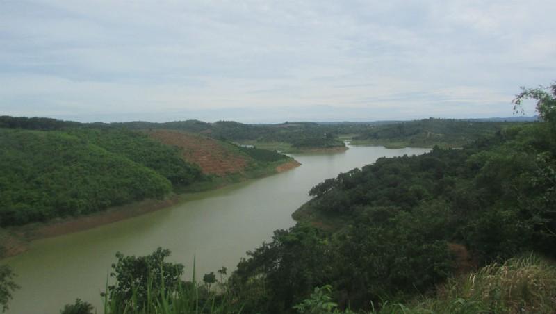 Khu vực lòng hồ Đắk Rồ - nơi công tác đền bù có nhiều sai sót.