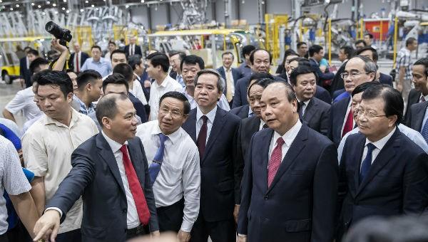 Thủ tướng Chính phủ Nguyễn Xuân Phúc thăm Nhà máy Vinfast của Tập đoàn Vingroup.