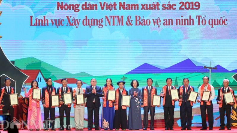 """Chương trình """"Tự hào nông dân Việt Nam"""" và Lễ vinh danh nông dân xuất sắc năm 2019."""