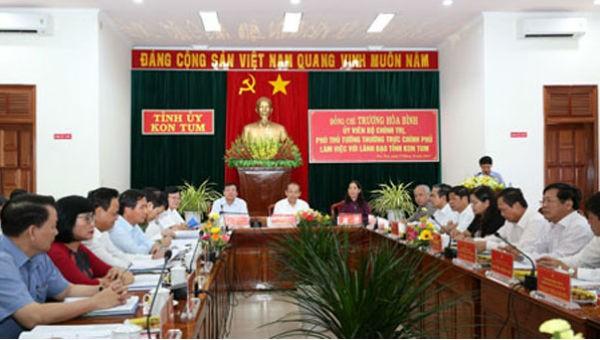 Phó Thủ tướng Thường trực Trương Hòa Bình làm việc với lãnh đạo chủ chốt tỉnh Kon Tum