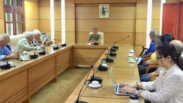 Quang cảnh buổi tiếp Đoàn sứ giả Sức mạnh hữu nghị Câu lạc bộ FF Florida (Mỹ) sang thăm Việt Nam