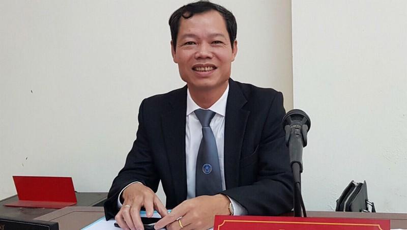 LS Trần Xuân Tiền cho hay đam mê của mình là truyền tải tri thức pháp luật đến mọi người.