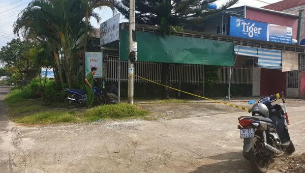 Nam thanh niên đổ gục bên đường sau tiếng súng nổ