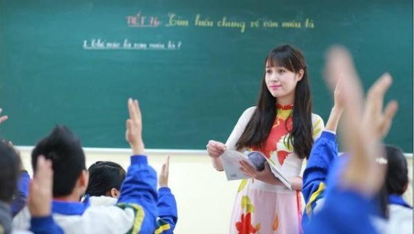 Tuyển dụng đặc cách giáo viên hợp đồng