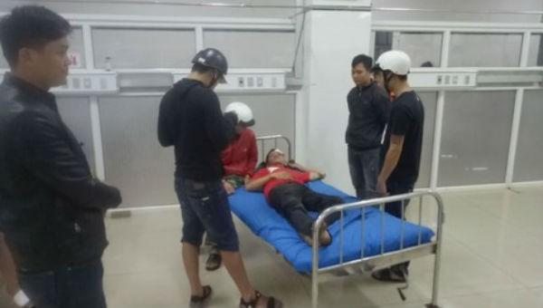 Nghi án mâu thuẫn nợ nần, nam thanh niên bị bắn phải nhập viện