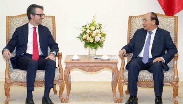 Thủ tướng Nguyễn Xuân Phúc và Đại sứ, Trưởng Phái đoàn Liên minh châu Âu (EU) tại Việt Nam, ông Pier Giorgio Aliberth