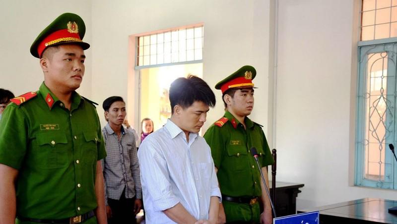 Tài xế uống rượu tông 4 người chết ở Long An lĩnh 12 năm tù