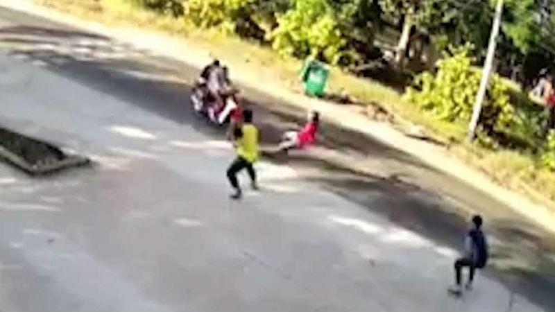 Phó trưởng công an xã bị tên cướp tông gãy chân