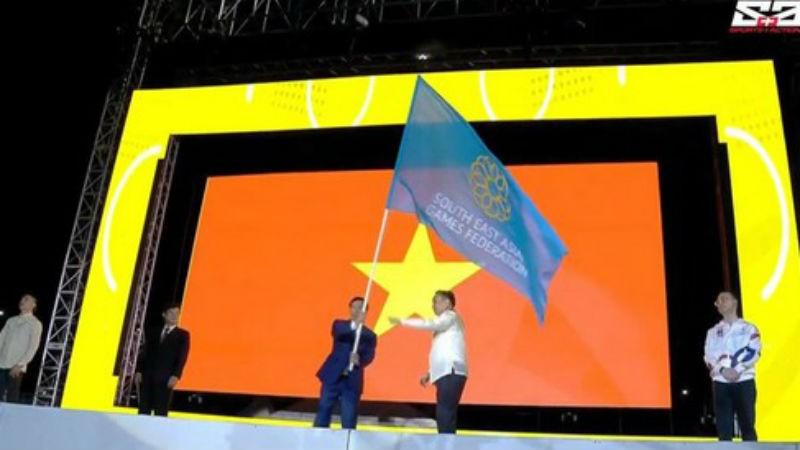 Việt Nam nhận cờ đăng cai SEA Games 31.