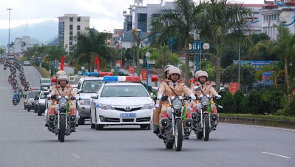 CSGT toàn quốc ra quân thực hiện cao điểm bảo đảm trật tự an toàn giao thông