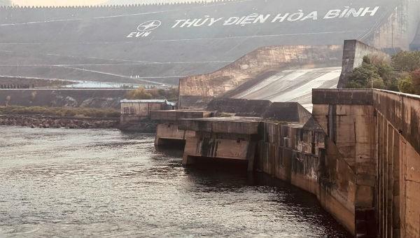 Thủy điện Hòa Bình có nguy cơ thiếu nước
