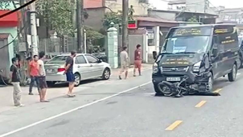 Va chạm với xe Limousine, một thanh niên đi xe máy tử vong