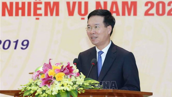 Ủy viên Bộ Chính trị, Trưởng Ban Tuyên giáo Trung ương Võ Văn Thưởng phát biểu kết luận hội nghị.