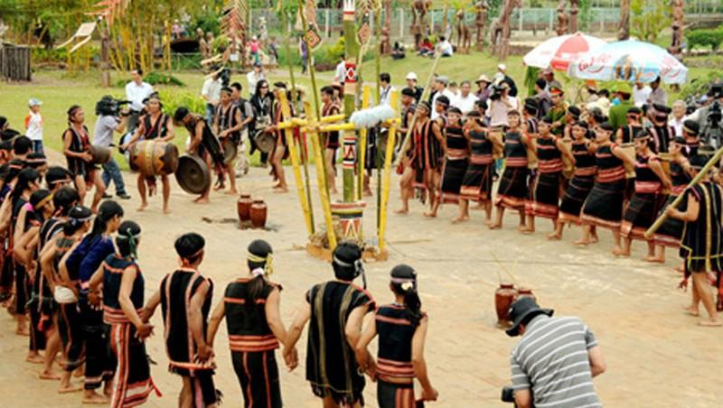 Lễ hội Pơthi của người Jarai – nơi tôn vinh đầy đủ những giá trị văn hóa đặc sắc nhất trong không gian văn hóa cồng chiêng Tây Nguyên.