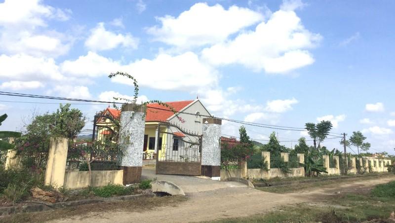 Nhà bà Phương bị cho là xây không phép.