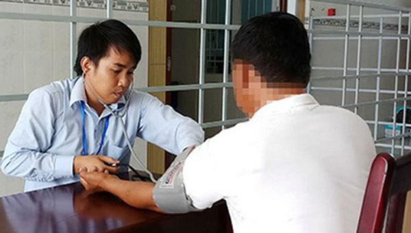 Đề xuất mở rộng đối tượng được cấp miễn phí thuốc kháng HIV