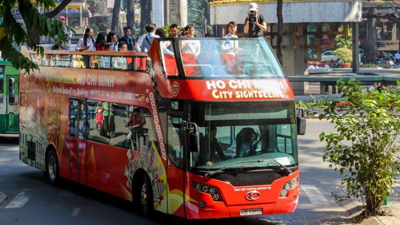 TP HCM khai trương buýt mui trần