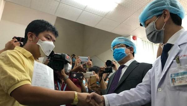 Bệnh nhân Li ZiChao được xuất viện.