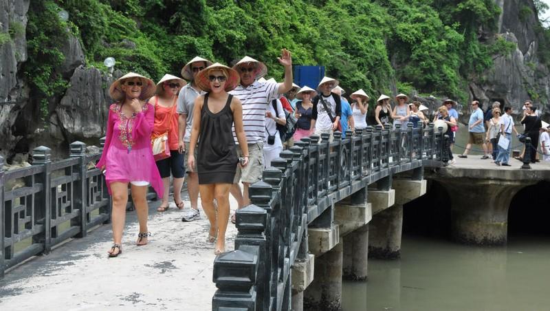 Du khách Mỹ luôn nằm trong Top 5 ở Việt Nam