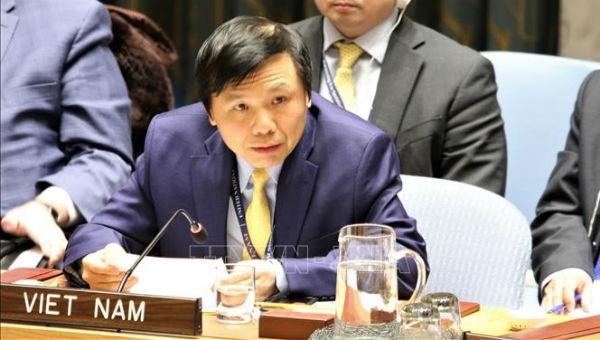 Đại sứ, Trưởng phái đoàn Việt Nam tại LHQ phát biểu tại phiên họp. Ảnh: Khắc Hiếu/PV TTXVN tại Mỹ.