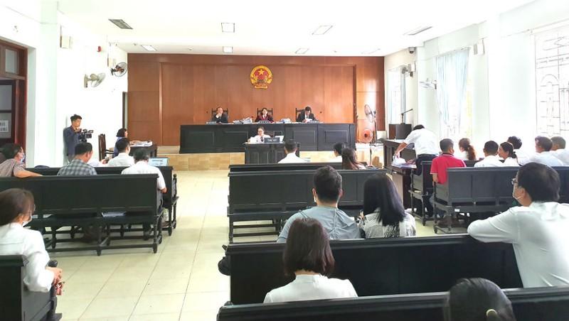"""Diễn biến vụ """"gặp họa sau khi giải cứu món nợ xấu ngàn tỷ"""": Theo Điều 192 BLTTDS, tòa phải trả đơn kiện, đình chỉ vụ án"""