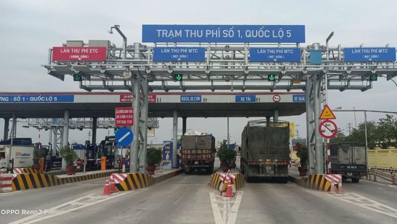 Trạm thu phí với 2 làn thu phí không dừng (ETC) trên Quốc lộ 5. Ảnh: VGP/Phan Trang