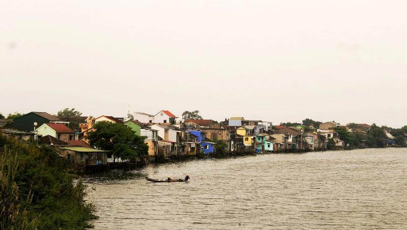 """Những ngôi nhà bên sông ở Bao Vinh sẽ được """"thay áo mới"""""""
