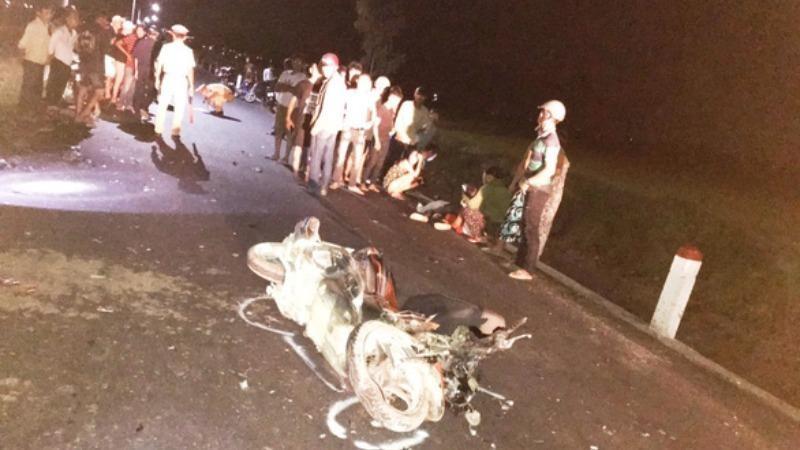 Hai xe máy đấu đầu, 3 người tử vong ở Bình Định