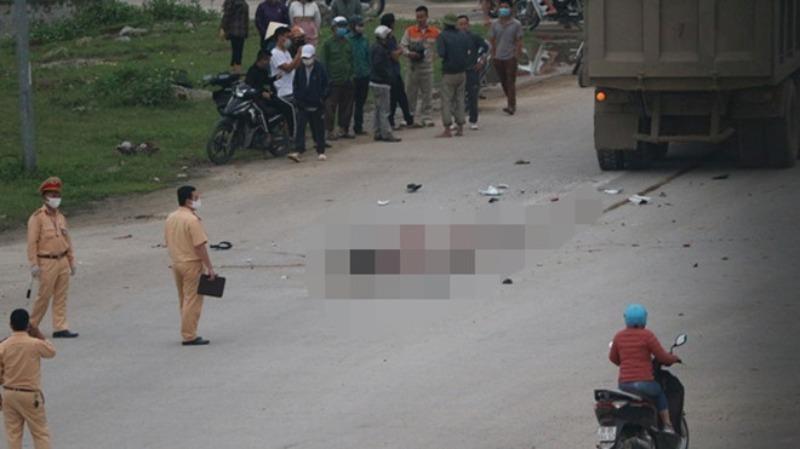 2 cô gái trẻ tử vong, 1 người nguy kịch sau va chạm với xe tải