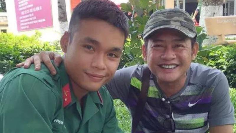 Con trai nghệ sĩ Tấn Beo tham gia 'tuyến đầu' chống dịch Covid-19