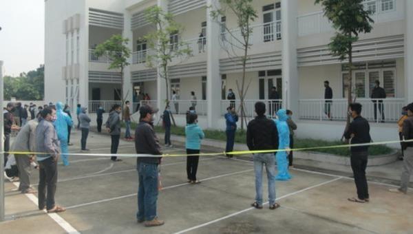 Hà Nội xét nghiệm Covid -19 gần 500 người ở làng hoa Tây Tựu