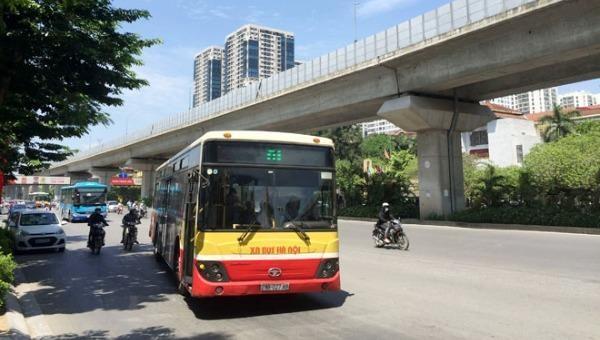 Từ hôm nay, xe buýt Hà Nội hoạt động trở lại