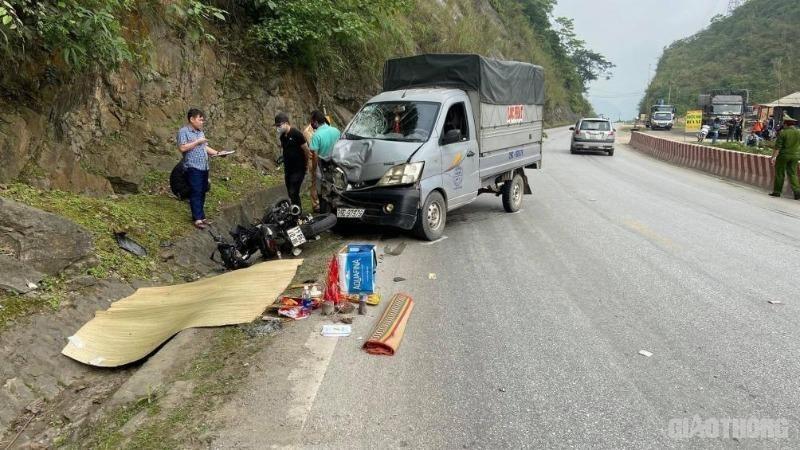 Hiện trường vụ tai nạn ở Hòa Bình.